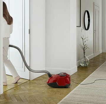 vacuum-cleaner-hard-flooring-house