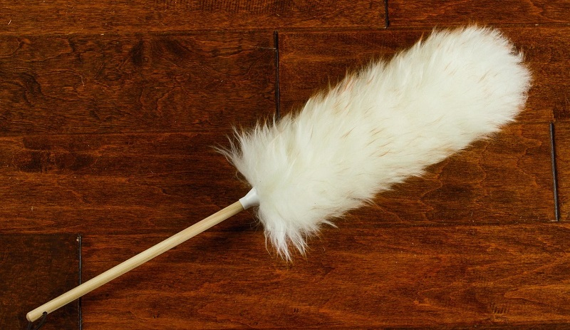 lambs-wool-duster