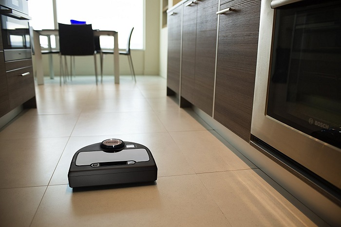 Neato-Botvac-Connected-Wi-Fi-Enabled-robot-vacuum