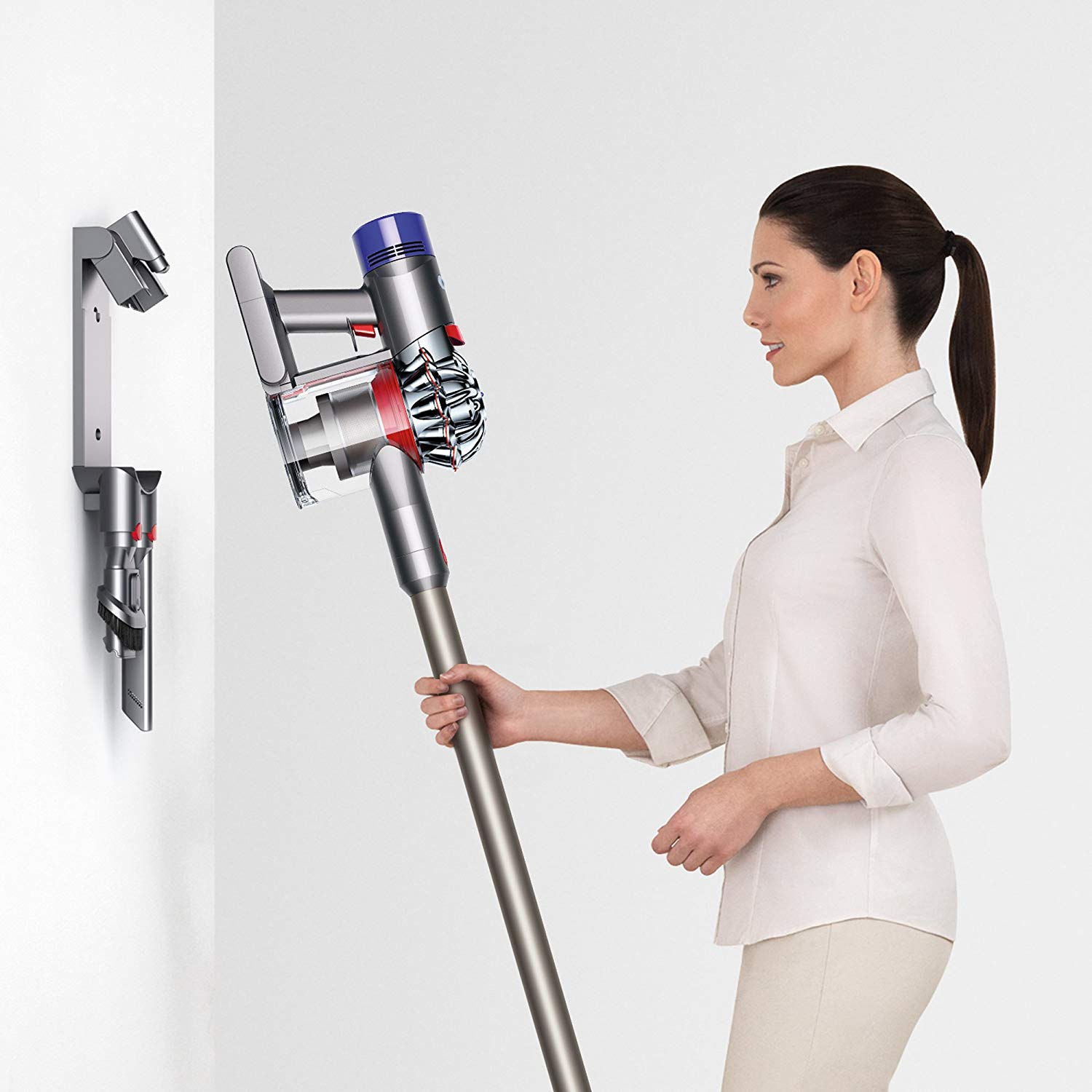 Dyson-V7-Animal-Cordless-Stick-Vacuum-Cleaner-Wall-Mount
