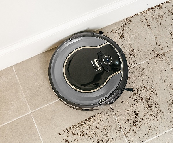 Shark-Robot-Vacuum-Cleaner-edges-and-corners