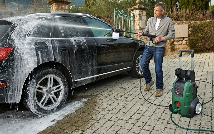Car-Cleaning-Pressure-Washer