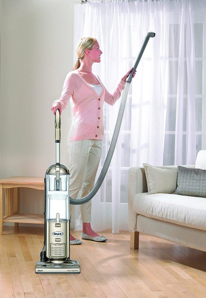 Shark-Navigator-Deluxe-NV42-Vacuum-Cleaner-4