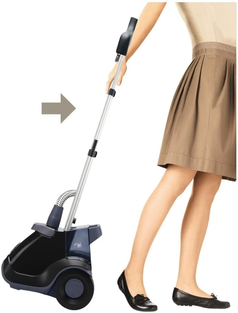 rowenta-is6200-compact-clothes-steamer-easy-maneuverability